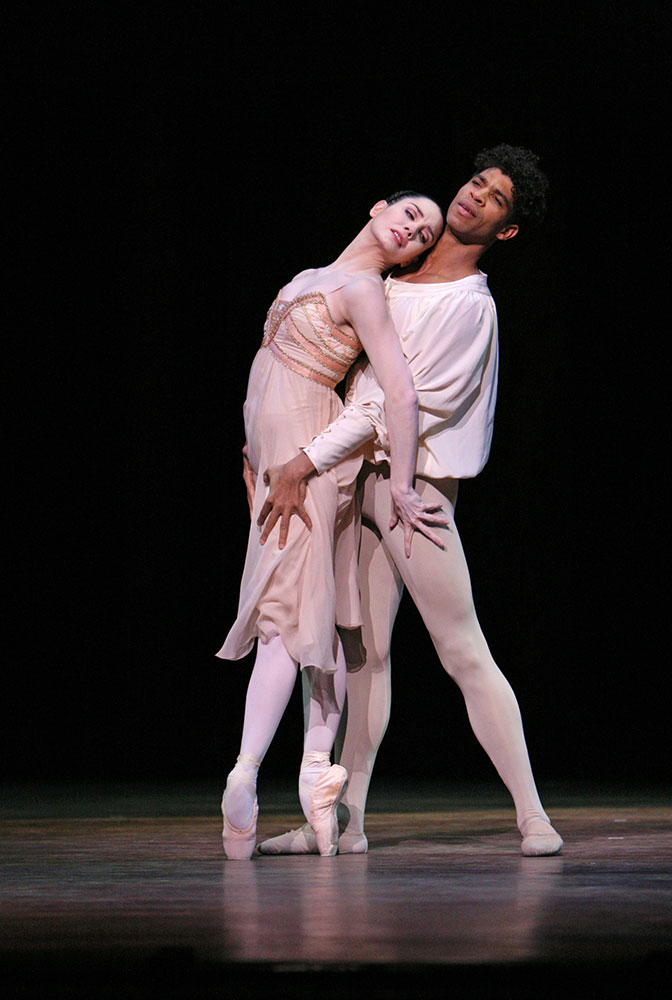 Tamara Rojo and Carlos Acosta in <I>Romeo and Juliet</I>.<br />© Dee Conway. (Click image for larger version)