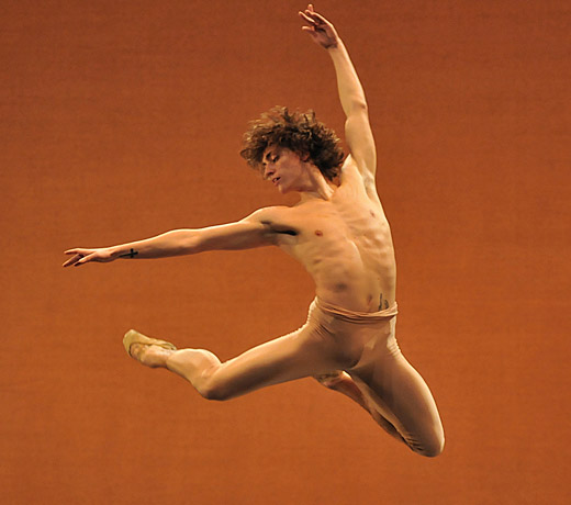 Sergei Polunin in Narcisse. © Dave Morgan.