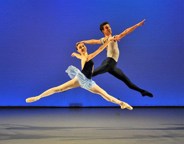 Isabella Gasparini and Tobias Batley in Perpetuum Mobile. © Brian Slater.