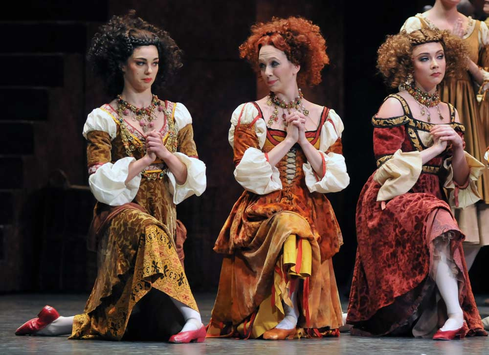Romany Pajdak, Sian Murphy, Claire Calvert as the Harlots. © Dave Morgan.