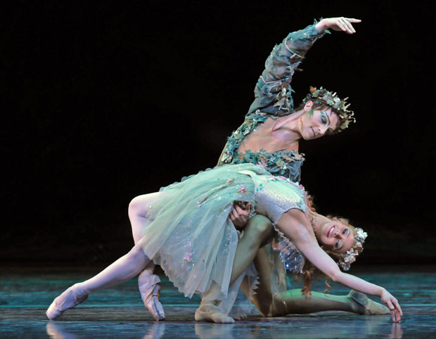 Roberta Marquez and Steven McRae in The Dream. © Dave Morgan.