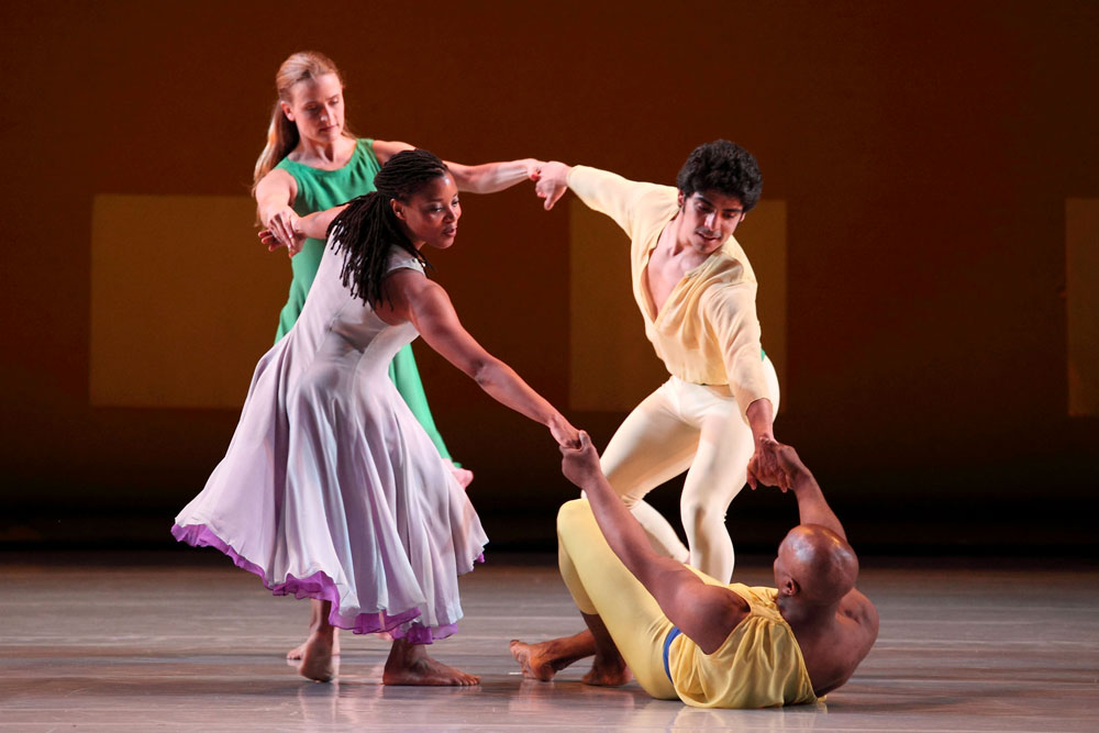 Mark Morris Dance Group in L'Allegro, Il Penseroso ed Il Moderato. © Elaine Mayson.