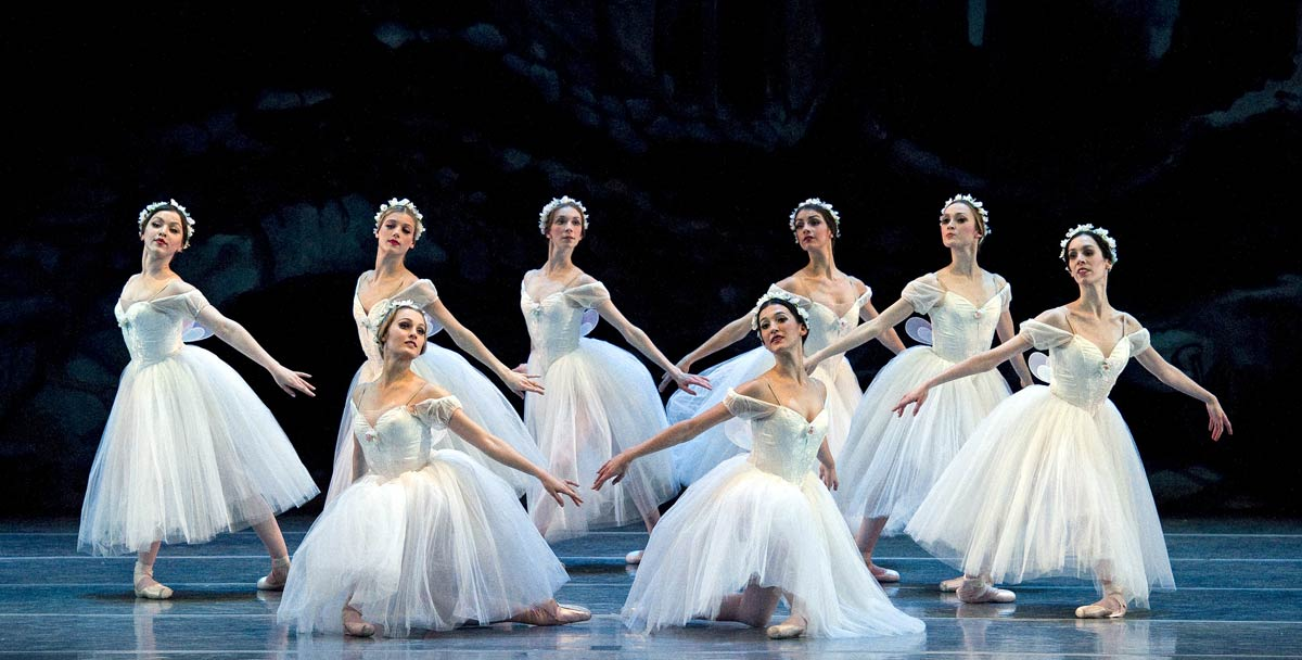 Boston Ballet in Florence Clerc's Les Sylphides after Michel Fokine. © Gene Schiavone.