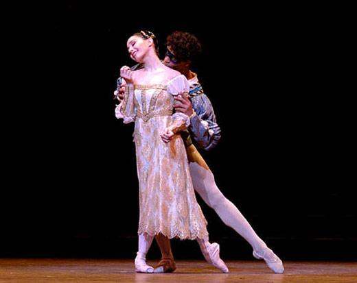 Tamara Rojo and Carlos Acosta in Romeo and Juliet (from 2006). © John Ross.