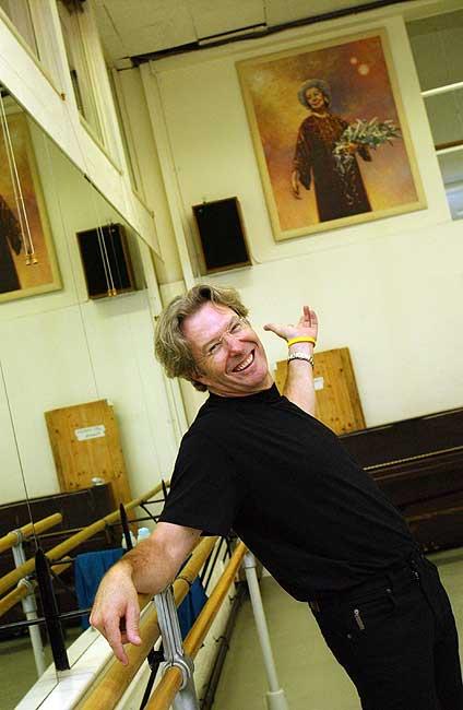 Wayne Eagling in the studio at ENB.  © Oliver Lim.