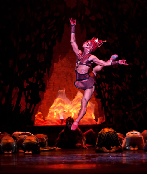 Jim Nowakowski and Artists of Houston Ballet in Stanton Welch's La Bayadere. © Amitava Sarkar. (Click image for larger version)
