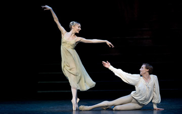 Melissa Hamilton and Edward Watson in Romeo and Juliet. © Bill Cooper and courtesy of ROH.