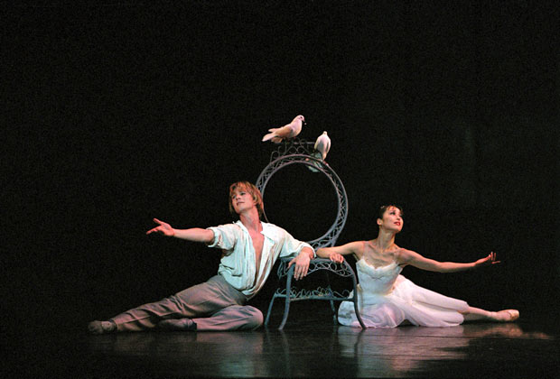 Nao Sakuma and Robert Parker in The Two Pigeons. © Bill Cooper.