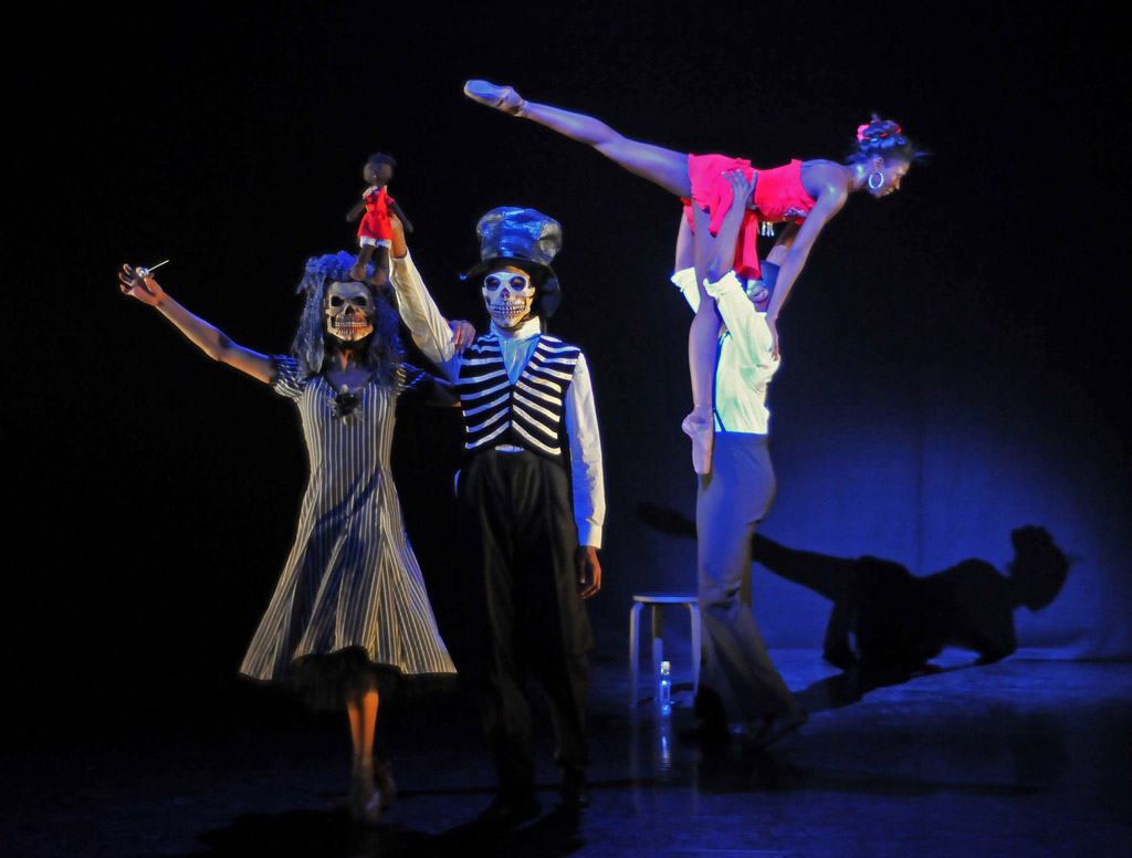 Deathly figures (Sarah Kundi & Jazmon Voss), and Cira Robinson (Nola) and Damien Johnson in Storyville. © Dave Morgan.