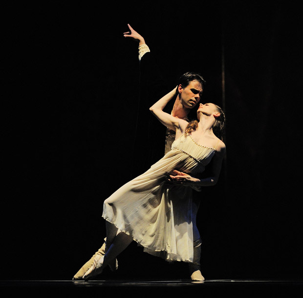 Maria Kochetkova and Joan Boada in Tomasson's Romeo & Juliet. © Erik Tomasson.