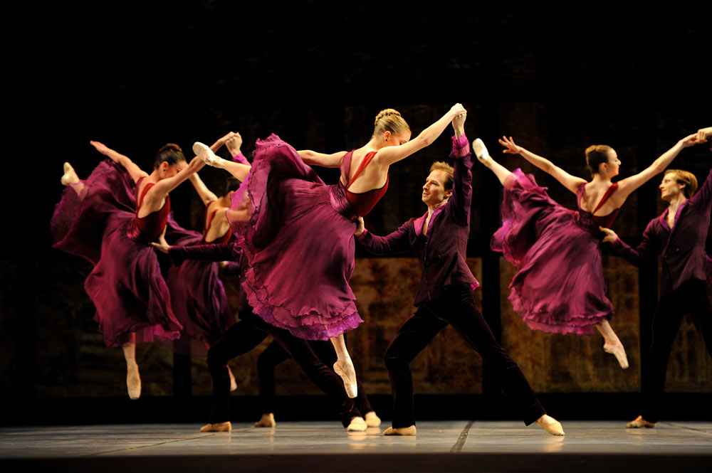 San Francisco Ballet in Tomasson's <I>Trio</I>.<br />© Erik Tomasson. (Click image for larger version)