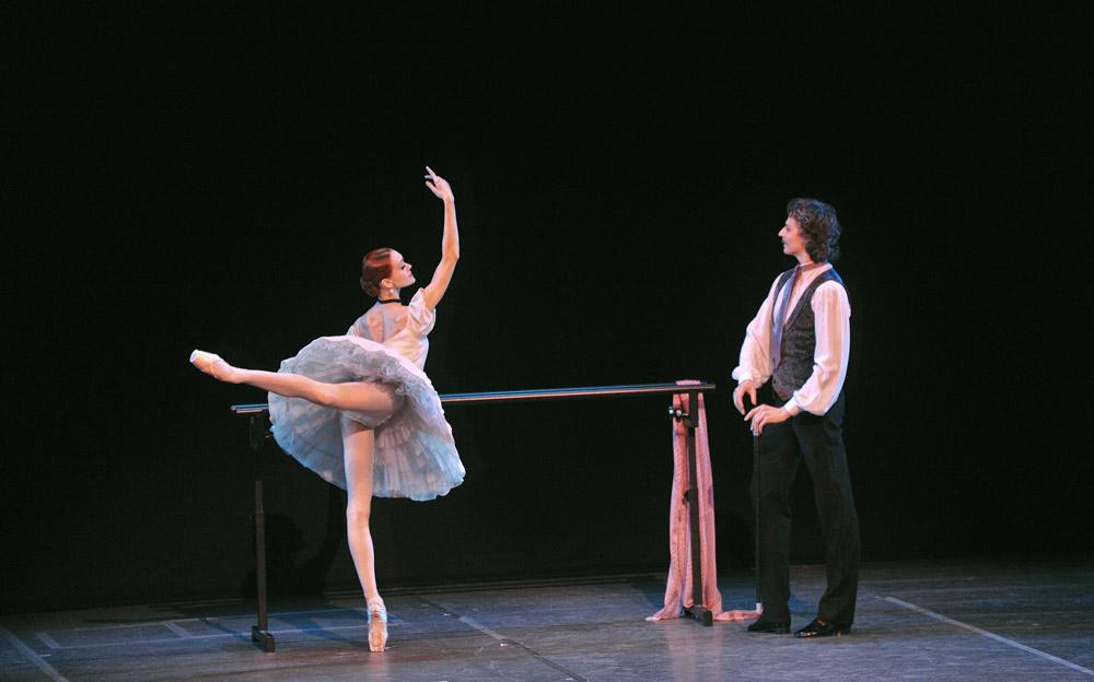 Uliana Lopatkina and Marat Shemiunov in Pavlova and Cecchetti. © Marc Haegeman.