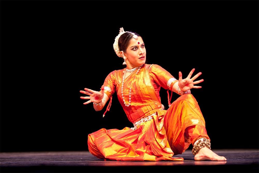 Surupa Sen in Krishna's Lament.  © Nan Melville/Nrityagram.