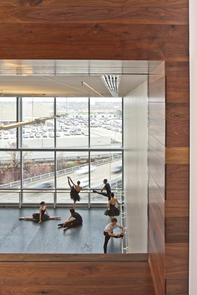 Houston Ballet Center for Dance. © Nic Lehoux, Image courtesy of Gensle.