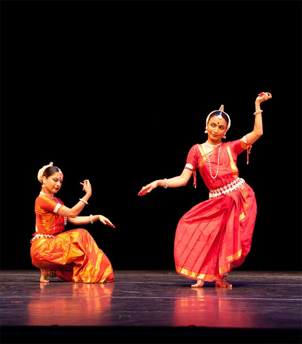 Bijayini Satpathy and Surupa Sen (with Pavithra Reddy in larger version). © Nan Melville/Nrityagram.