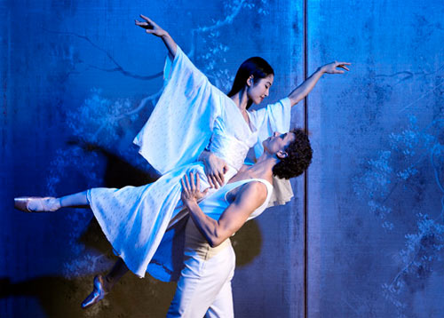 Miwako Kobota and Kevin Jackson in Stanton Welch's Madame Butterfly for Australian Ballet. © Paul Empsom.