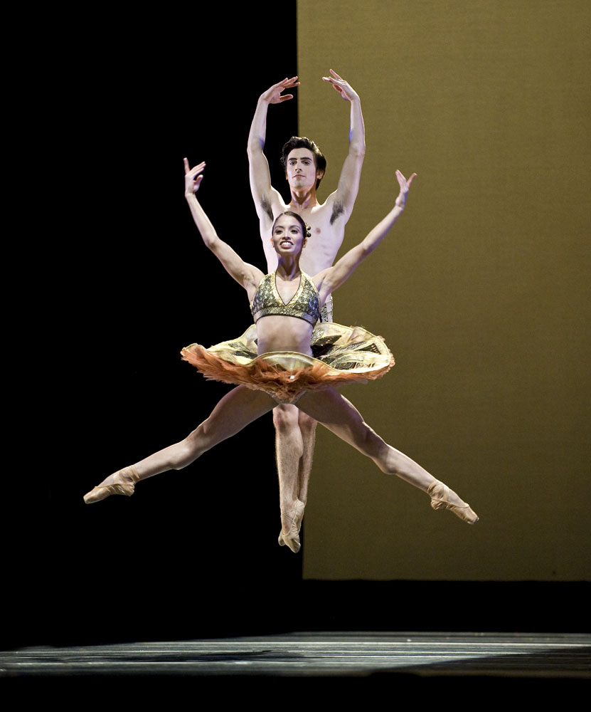 Karina Gonzalez and Joseph Walsh in Stanton Welch's Tu Tu. © Ron McKinney. (Click image for larger version)