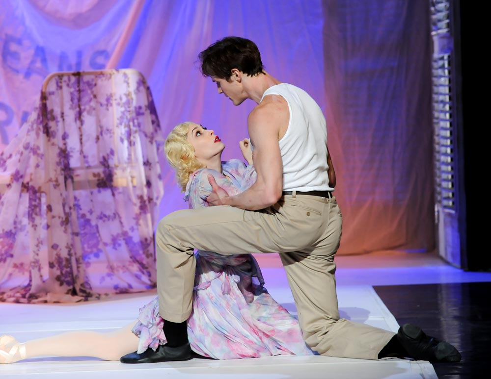 Eva Trapp and Robert Moore (Blanche and Stanley) in A Streetcar Named Desire. © Rich Sofranko. (Click image for larger version)