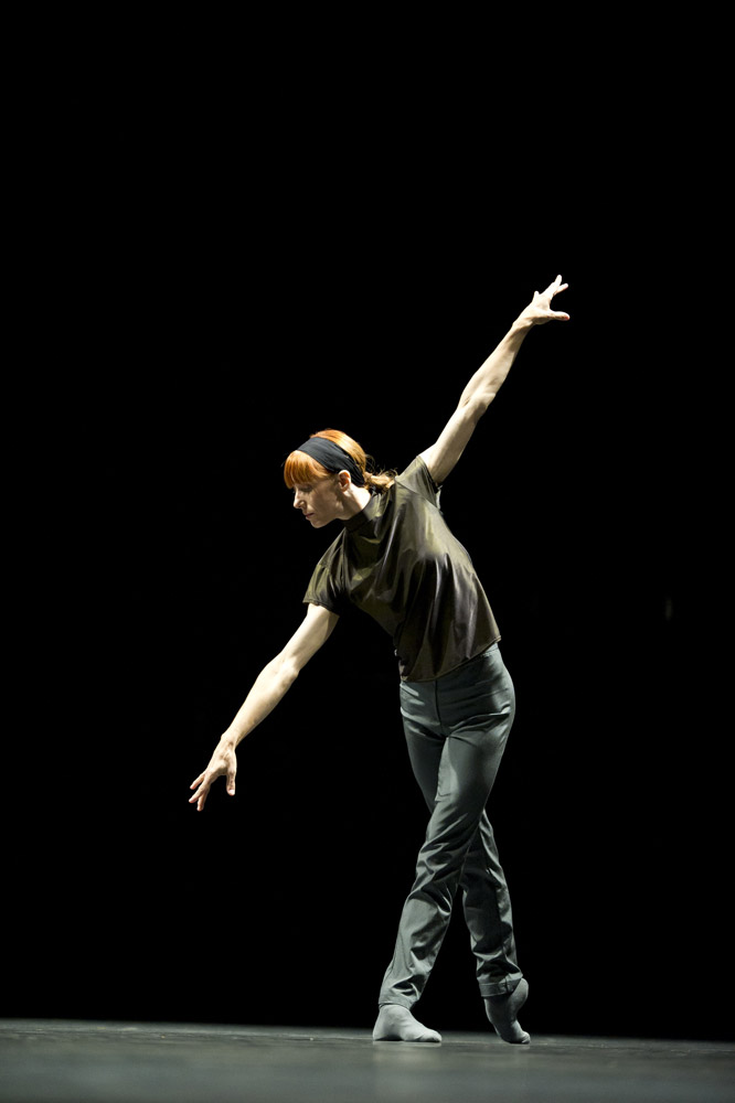 Sylvie Guillem in William Forsythe's Rearray. © Bill Cooper. (Click image for larger version)