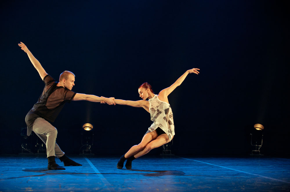 Celine Cassone and James Gregg in Night Box. © Benjamin Von Wong. (Click image for larger version)