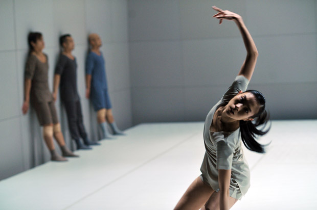 City Contemporary Dance Company in Blind Chance. © Cheung Chi Wai. (Click image for larger version)