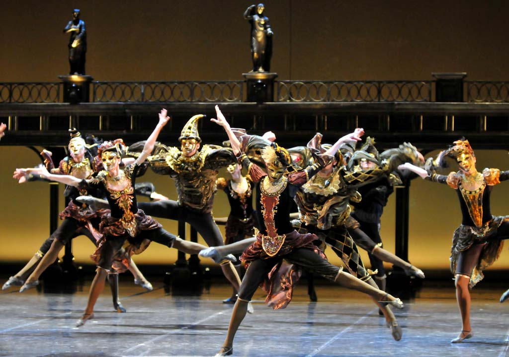Eifman Ballet dancers in Anna Karenina. © Dave Morgan. (Click image for larger version)