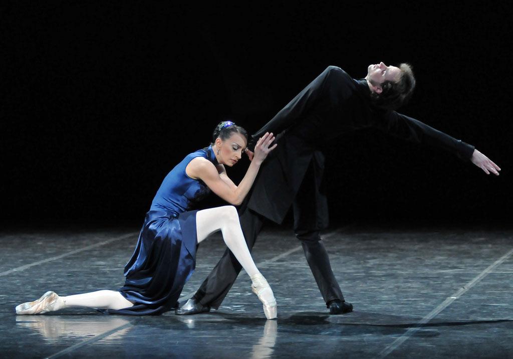 Nina Zmievets & Oleg Gabyshev in Anna Karenina. © Dave Morgan. (Click image for larger version)