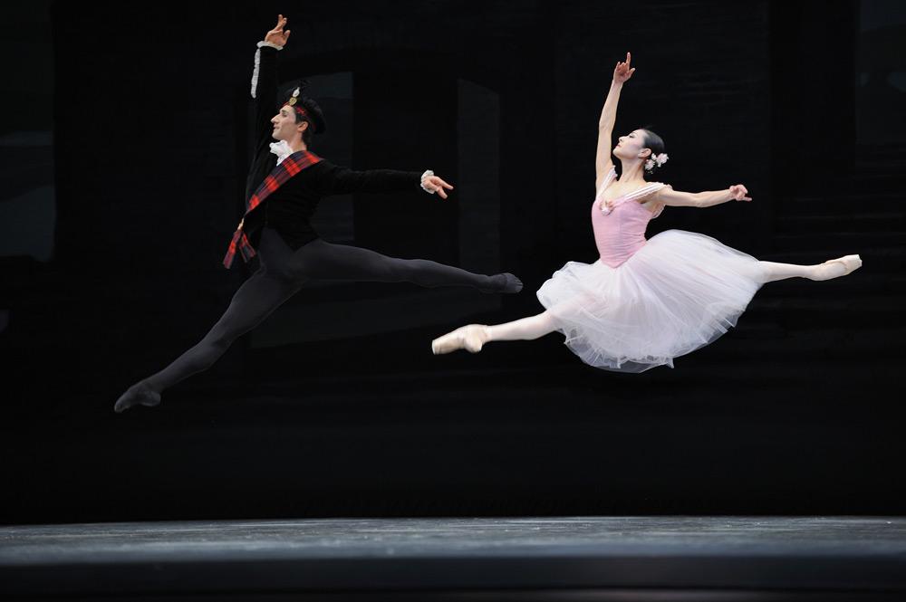 Yuan Yuan Tan and Davit Karapetyan in Balanchine's Scotch Symphony. © Erik Tomasson. (Click image for larger version)
