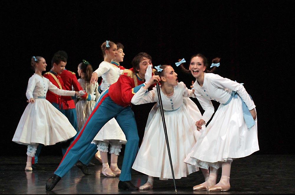 Ecole de Danse de l'Opéra national de Paris in David Lichine's Le Bal des cadets - Graduation Ball. © Francette Levieux. (Click image for larger version)