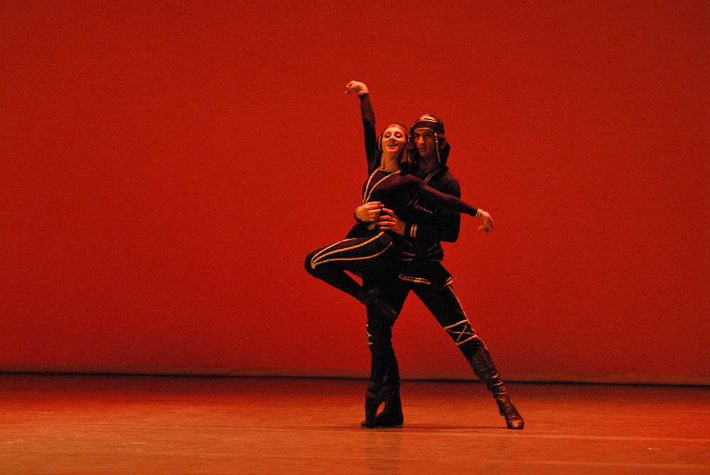 State Ballet of Georgia dancers in premiere of Khorumi. © Lado Vachnadze. (Click image for larger version)