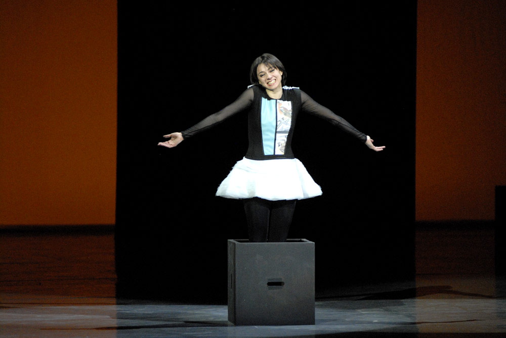 Nina Ananiashvili with her final shrug in Tampopo. © Lado Vachnadze. (Click image for larger version)