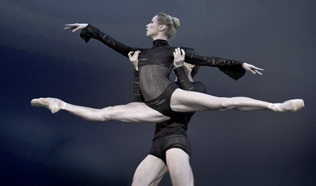 Iana Salenko (with Marian Walter) in Elegie der Herzen. © Nikolai Krusser. (Click image for larger version)