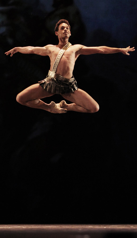 Yonah Acosta in Acteon. © Stanislav Levshin. (Click image for larger version)