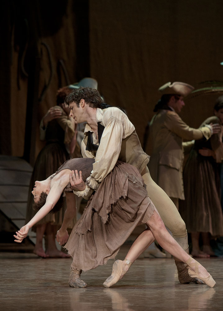 Aurelie Dupont and Josua Hoffalt in Manon. © Anne Deniau. (Click image for larger version)