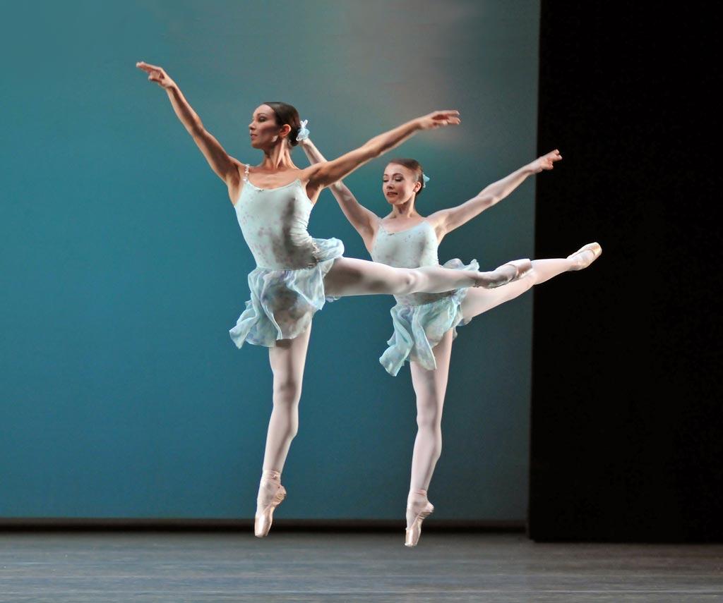 Tara-Brigitte Bhavnani and Claire Calvert in Ballo della regina. © Dave Morgan. (Click image for larger version)