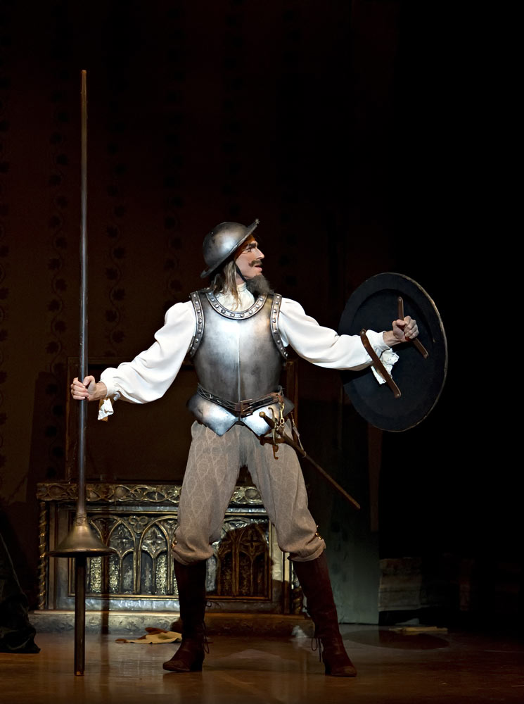 Carlos Molina in Don Quixote. © Gene Schiavone. (Click image for larger version)