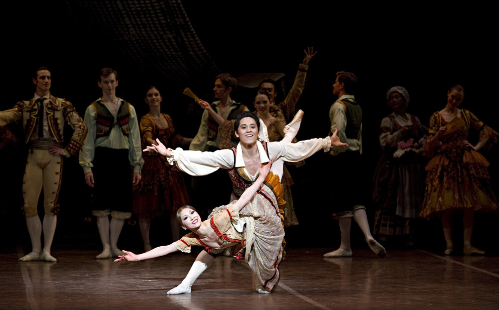 Misa Kuranaga and Jeffrey Cirio in Don Quixote. © Gene Schiavone. (Click image for larger version)
