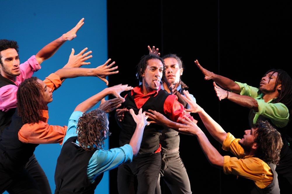 Danza Contemporanea de Cuba in Carmen?! © Justin Nicholas. (Click image for larger version)