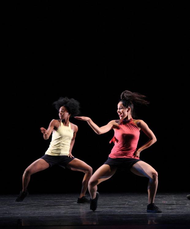 Danza Contemporanea de Cuba in <I>Mambo 3XXI</I>.<br />© Justin Nicholas. (Click image for larger version)