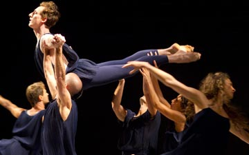 Lar Lubovitch Dance Company in North Star. © Todd Rosenberg. (Click image for larger version)