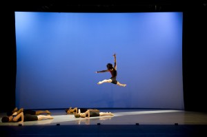 Tetsuo Yamamoto and Ballet Centtral in Circle of Five. © Bill Cooper. (Click image for larger version)