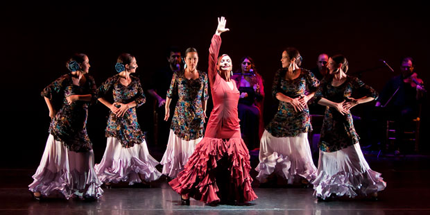 La Tania Baile Flamenco in Despertar es Un Color. © Christine Fu. (Click image for larger version)