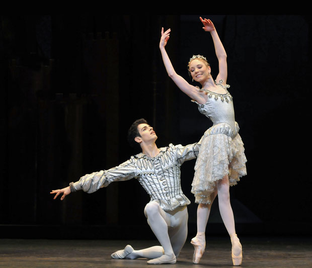 Sarah Lamb & Federico Bonelli in Prine of the Pagodas. © Dave Morgan. (Click image for larger version)