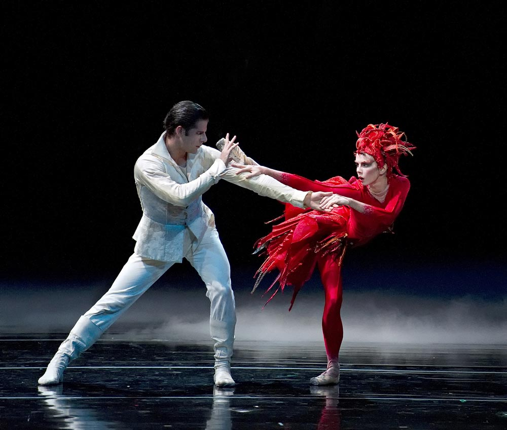 Natalia Osipova and Marcelo Gomes in Firebird. © Gene Schiavone. (Click image for larger version)