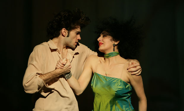 Pablo Aran Gimeno and Cristiana Morganti in Bamboo Blues. © Jong-Duk Woo. (Click image for larger version)