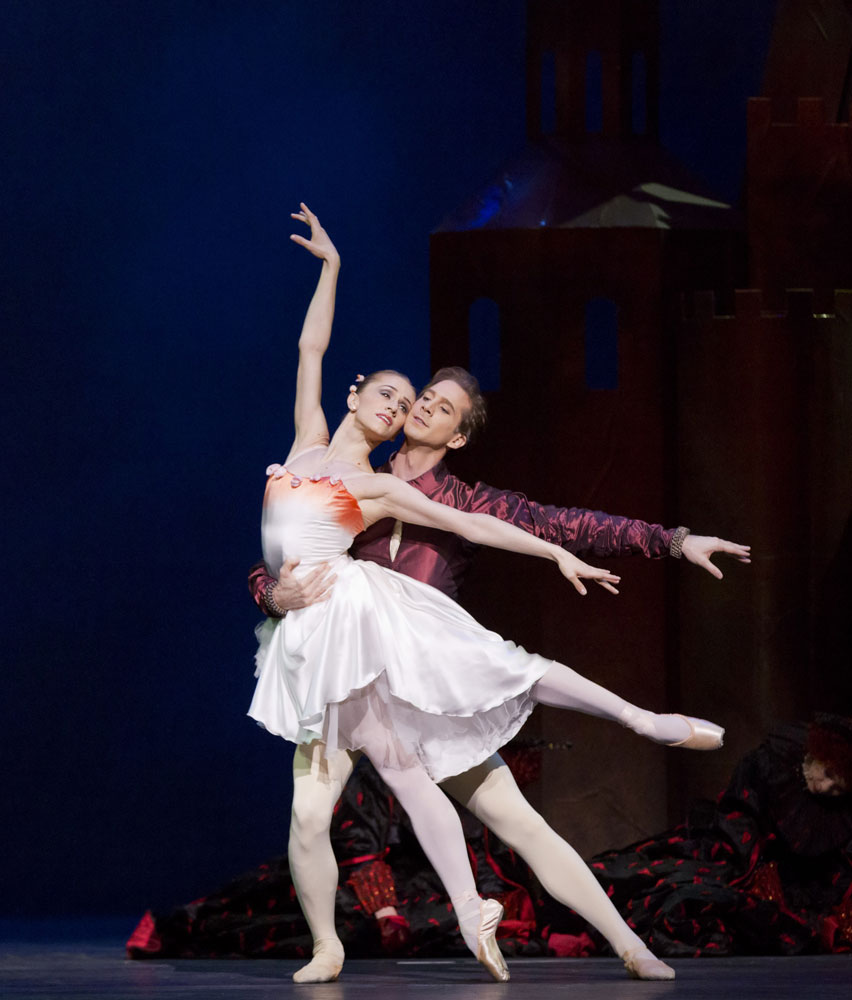 Marianela Nunez and Nehemiah Kish in The Prince of the Pagodas. © Johan Persson, courtesy of ROH. (Click image for larger version)