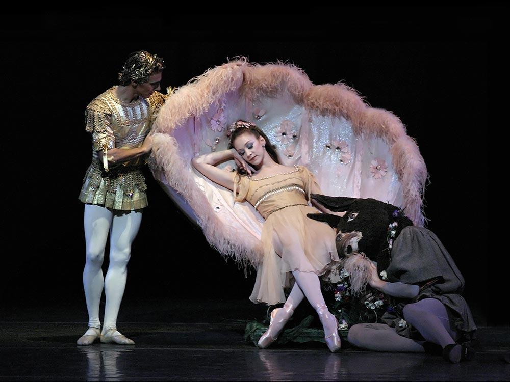 Joaquin de Luz, Maria Kowroski and Henry Seth in Balanchine's A Midsummer Night's Dream. © Paul Kolnik. (Click image for larger version)