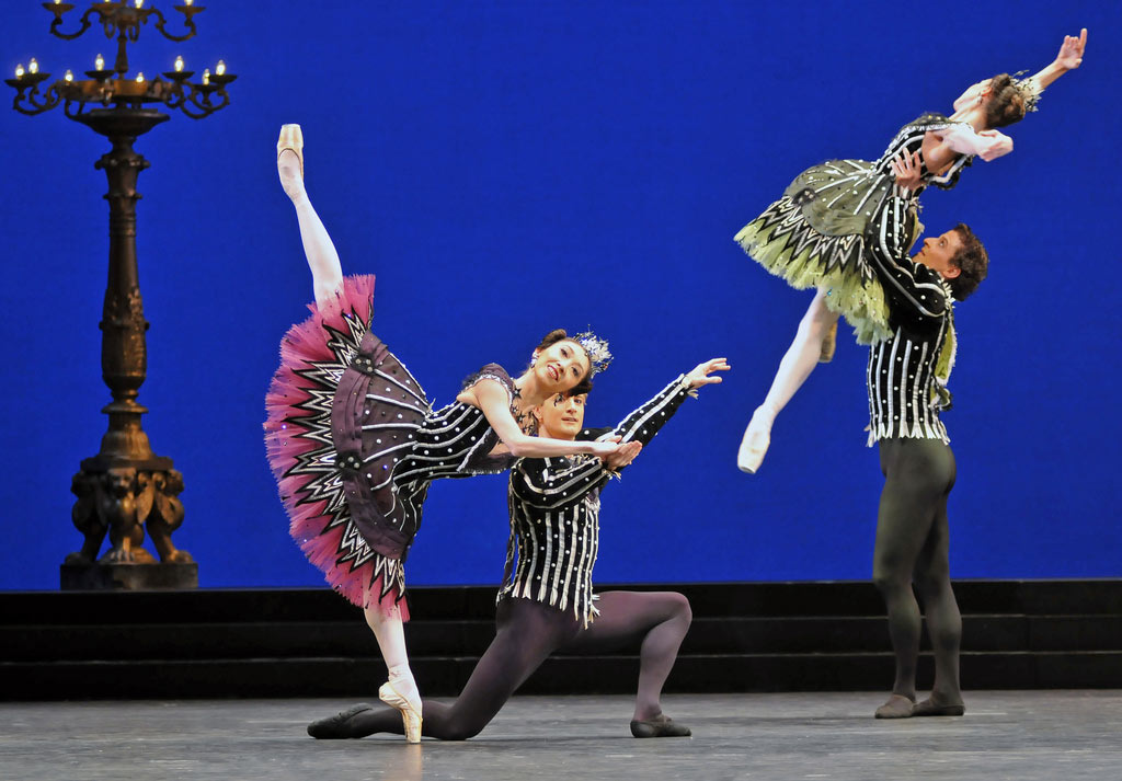 Hikaru Kobayashi, Brian Maloney, Itziar Mendizabal and Johannes Stepanek in <I>Birthday Offering</I>. © Dave Morgan. (Click image for larger version)