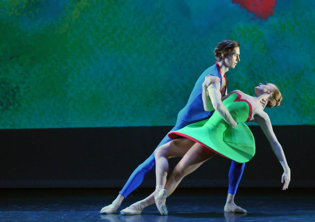 Alexander Nuttall and Tiffany Goggin in Jenna Lee's [I]Classical Symphony[/I].<br />© Dave Morgan. (Click image for larger version)