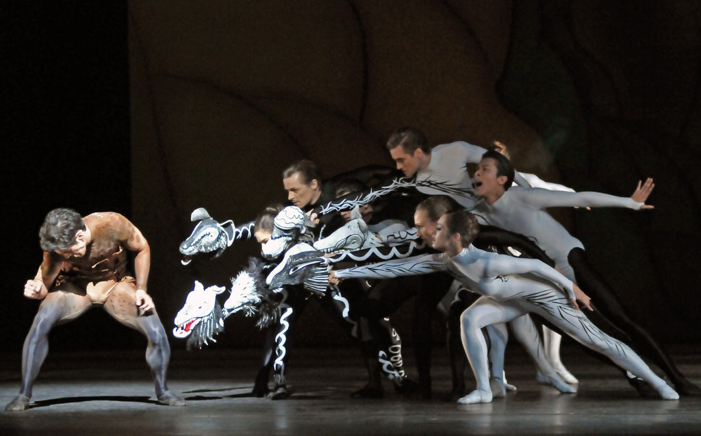 Liam Scarlett, Will Tuckett and Jonathan Watkins' <I>Diana & Actaeon</I>: dancers l-r: Federico Bonelli, Romany Pajdak, Tom Whitehead, Paul Kay (hidden), Brian Maloney, Deirdre Chpman, Sabina Westcombe, Kenta Kura.<br />© Dave Morgan. (Click image for larger version)